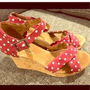 Toms red polka dot wedges sandals size 9 Wide